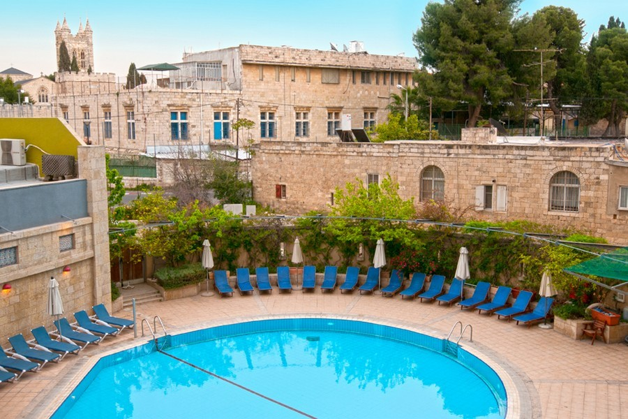 The outdoor swimming pool at the Leonardo Hotel, Jerusalem