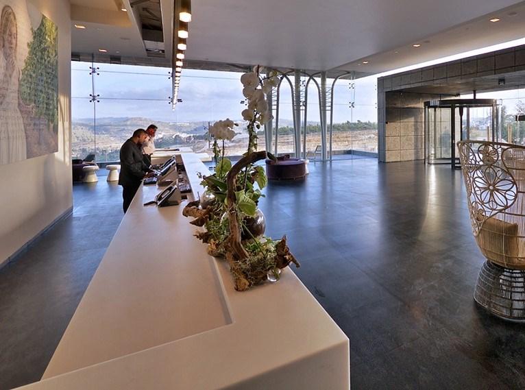 Cramim, lobby and reception desk